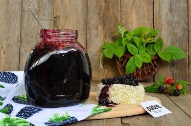 Рецепт Жареное варенье из черной малины