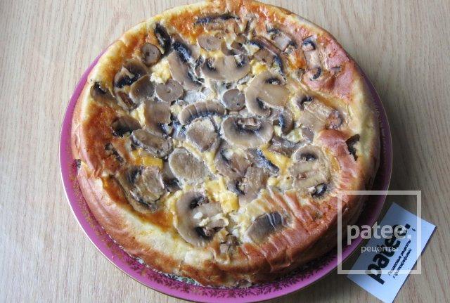 Заливной пирог с мясом, рисом и грибами