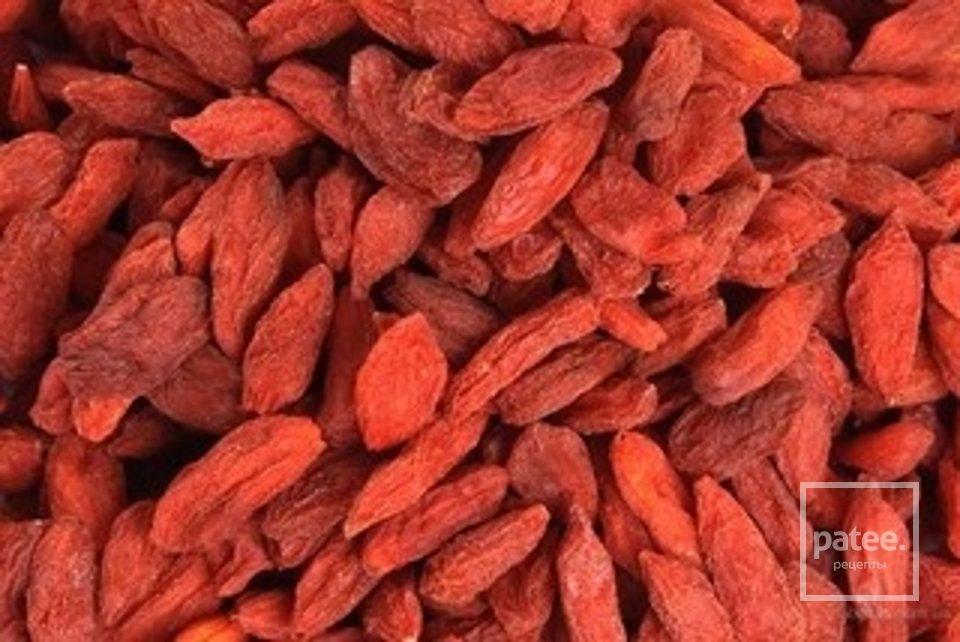 Творожные сырники с ягодами Годжи