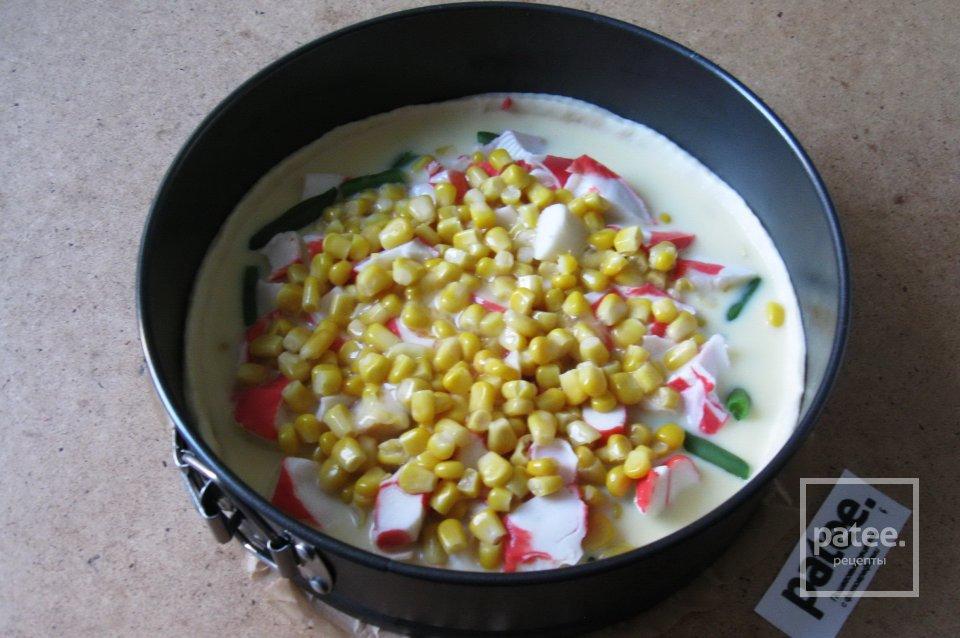 Киш из крабовых палочек и кукурузы