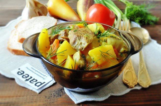 Индейка с картофелем, тыквой и грибами