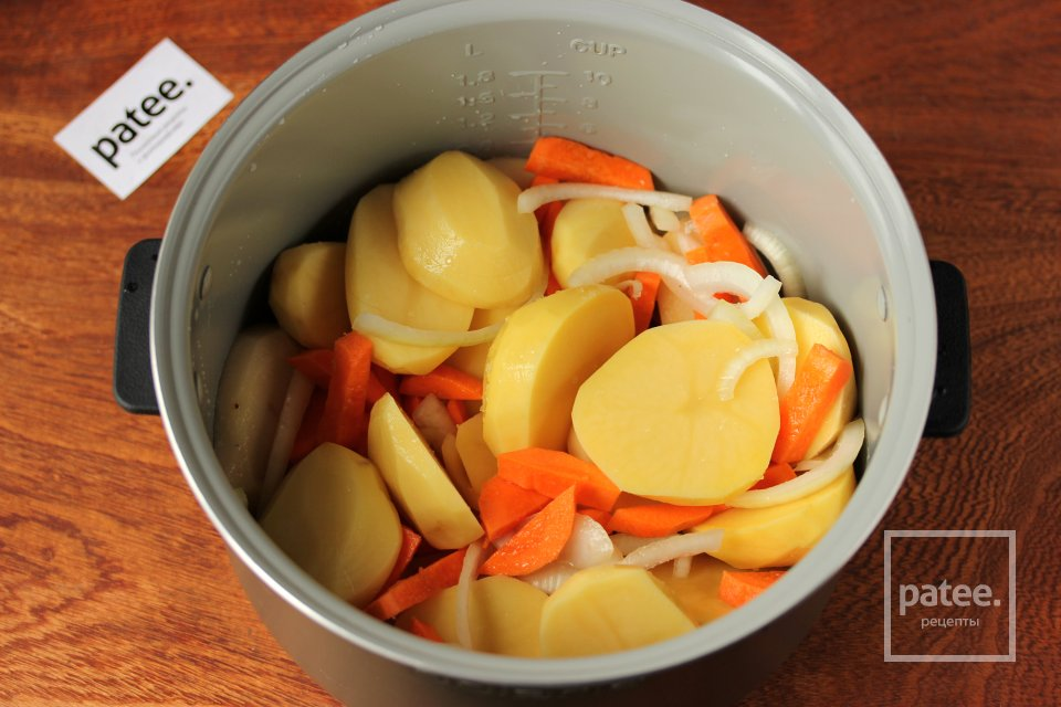 Запечённый цыплёнок с картофельным гарниром