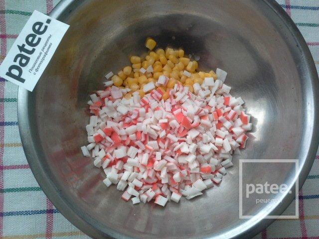 Салат капуста крабовые палочки кукуруза калорийность