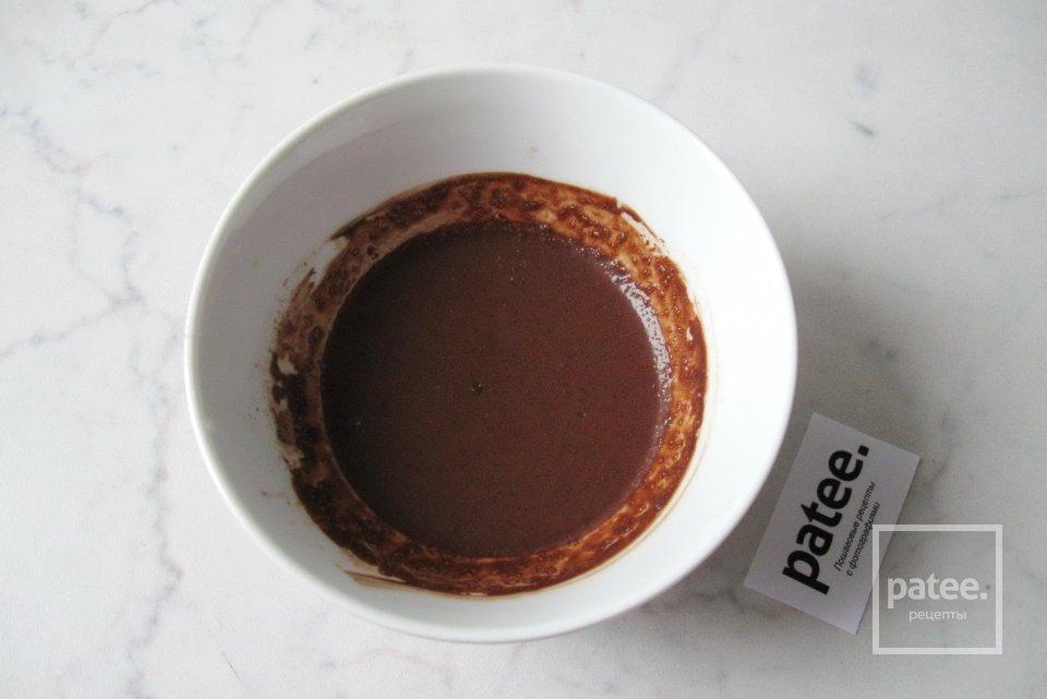 Желе из какао со взбитыми сливками
