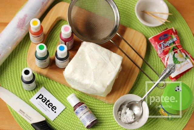 Как покрасить мастику