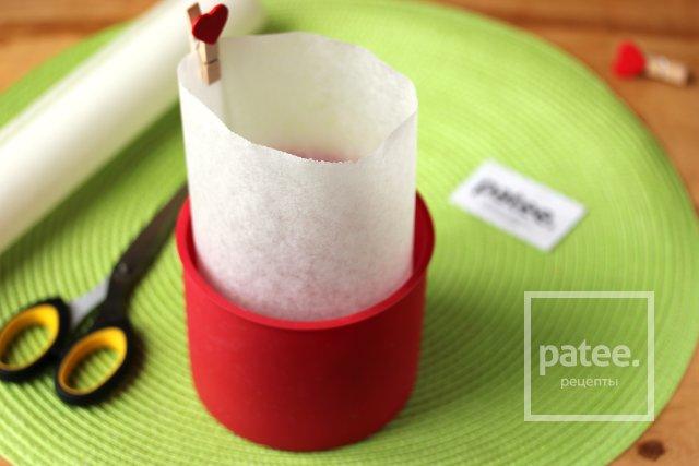 Как выложить форму пергаментом для выпечки