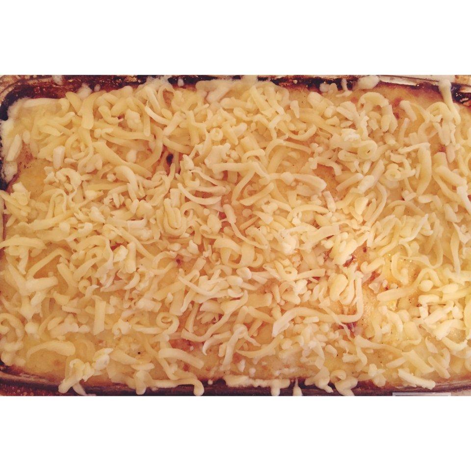 Картофель с курицей запеченный под сыром