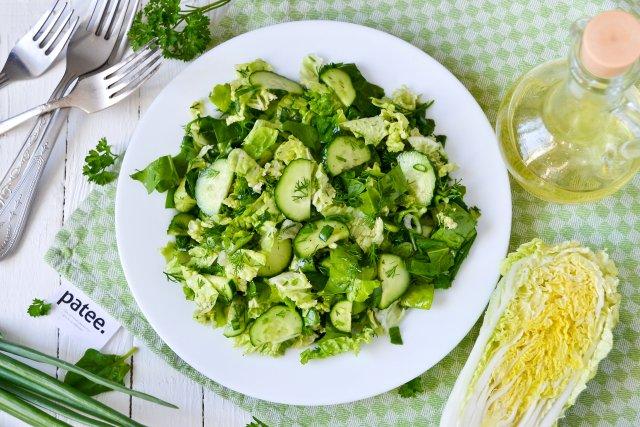Салат из пекинской капусты с ароматным маслом грецкого ореха