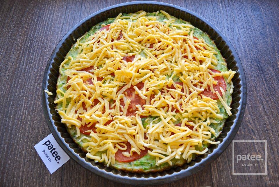 Кабачковая пицца с помидорами