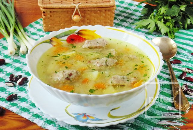 Суп с галушками из фасоли