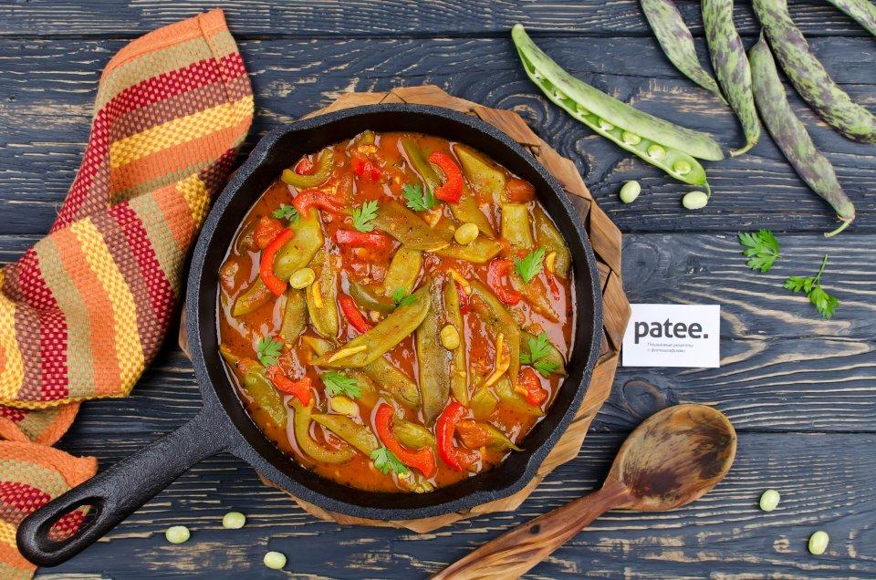 Рагу из стручковой фасоли в томатном соусе