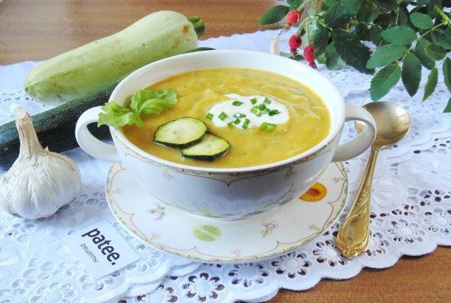 Суп-пюре с цуккини и кабачком