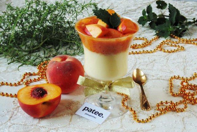 Ванильный пудинг с персиками