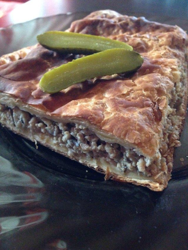 Слоеный пирог с мясом и грибами😋