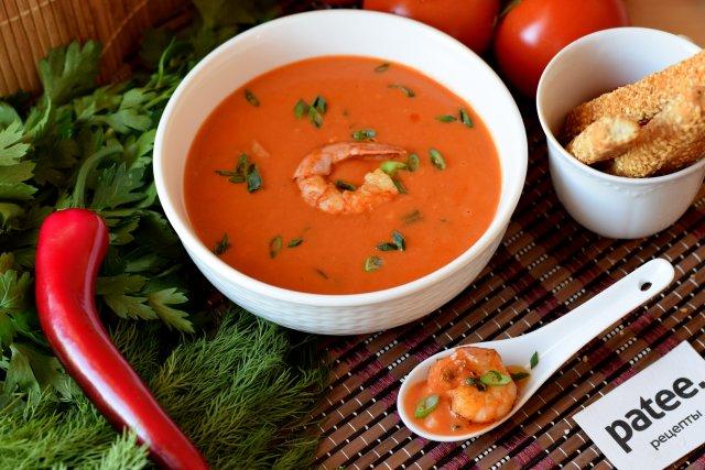 Тайский острый  томатно-сливочный суп с креветками