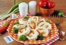 Куриный окорок вместе с морковью равно сыром для пару