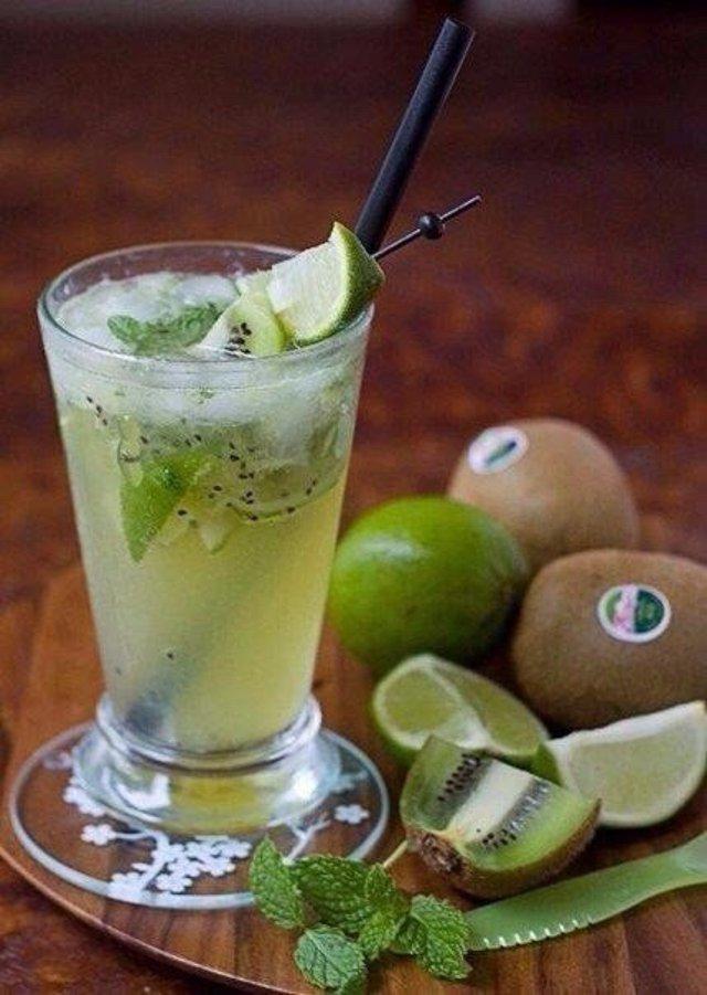 Безалкогольный мохито с киви