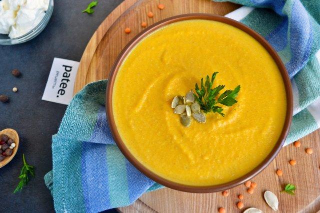 Сливочный суп-пюре с тыквой и чечевицей