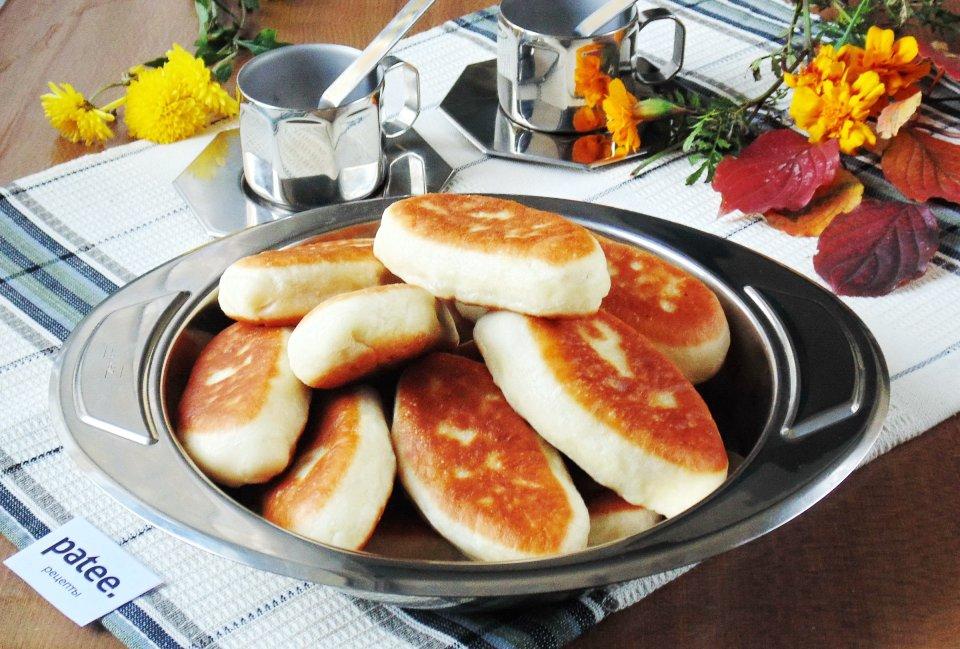 Жареные пирожки с говяжьей печенью и картофелем