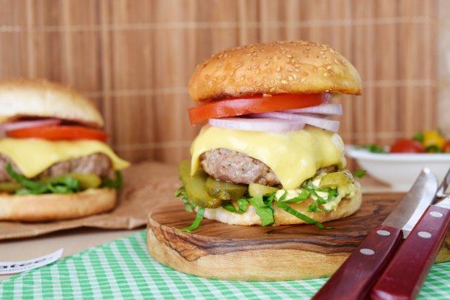 Бургер с котлетой из говядины