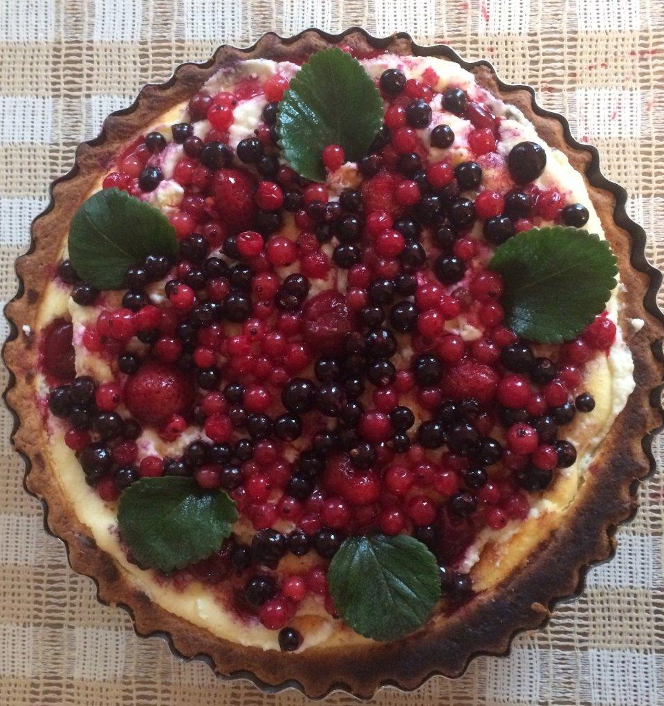 Творожной-ягодный пирог