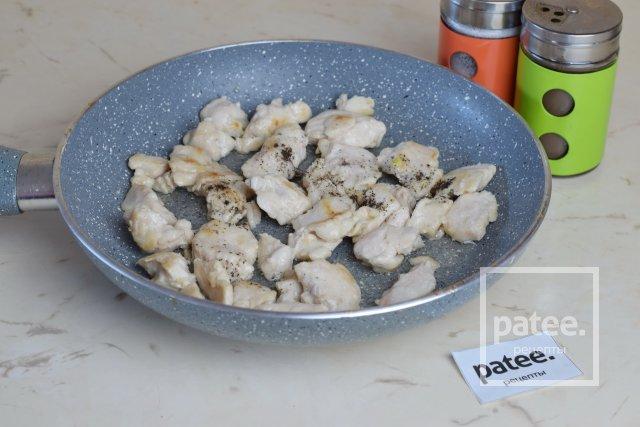 Паэлья с курицей и креветками