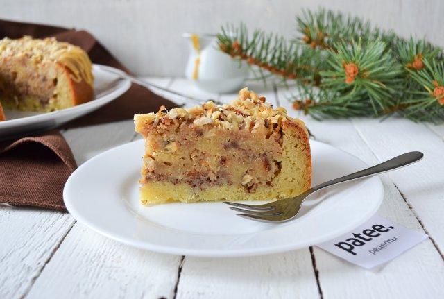 Быстрый карамельный торт с орехами