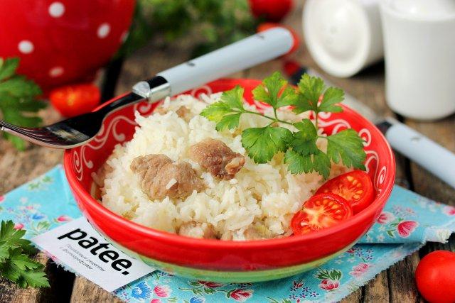 Сливочный рис с мясом в мультиварке