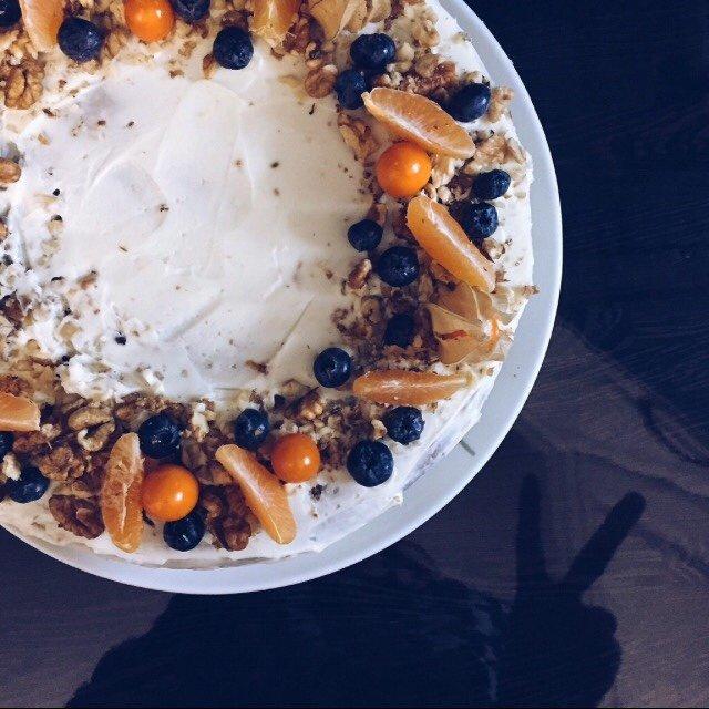 Морковный торт с корицей и грецкими орехами