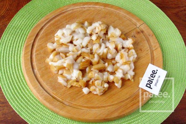 Салат с копчёным кальмаром и картофелем