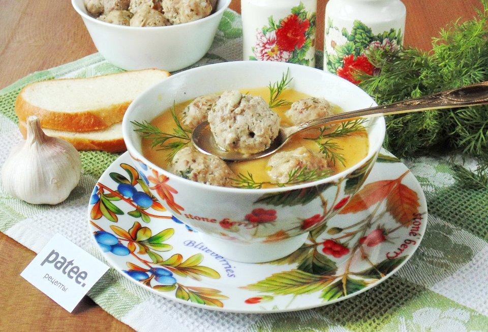 Картофельный суп-пюре с чесночными фрикадельками