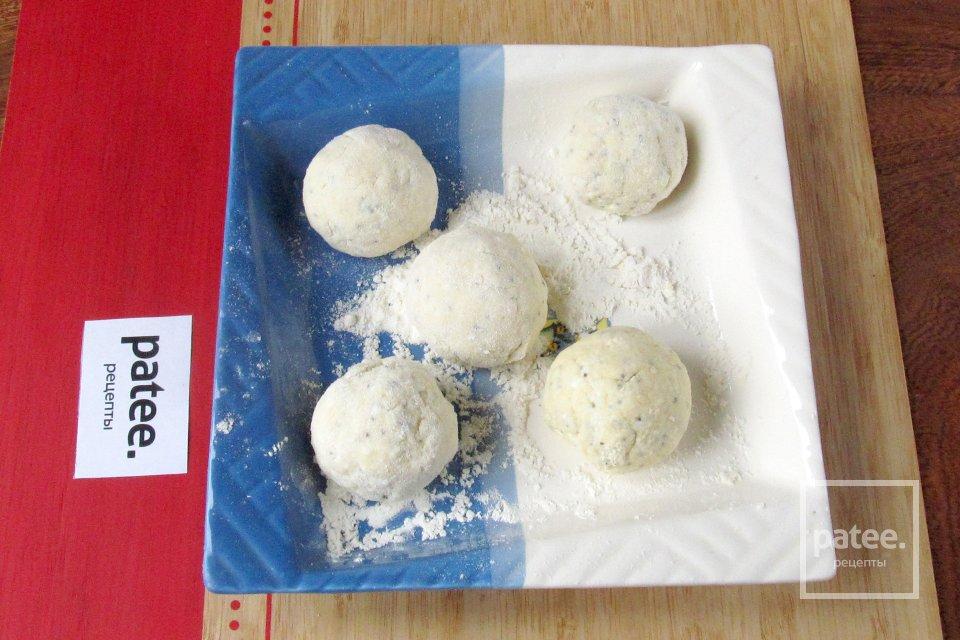Творожные пончики с маком
