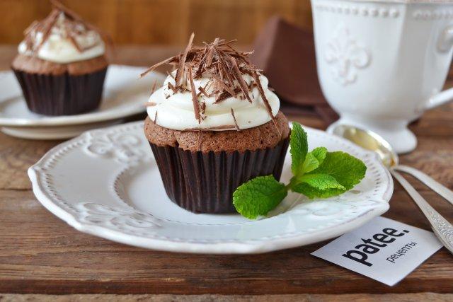 Капкейки с шоколадом и нежным кремом