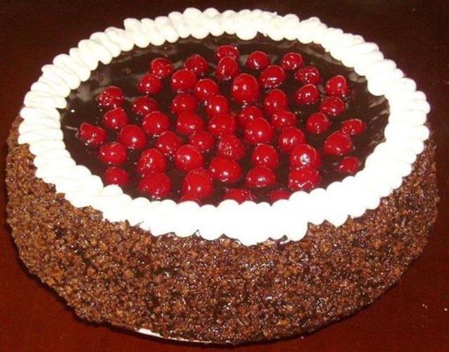 Цугский торт с вишней