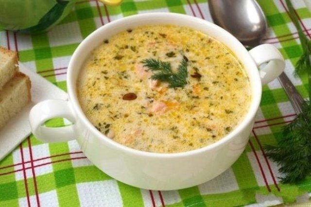 Сырный суп ссемгой икедровыми орешками