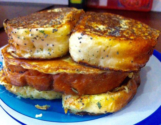 Давно забытые всеми самые обыкновенные гренки на завтрак
