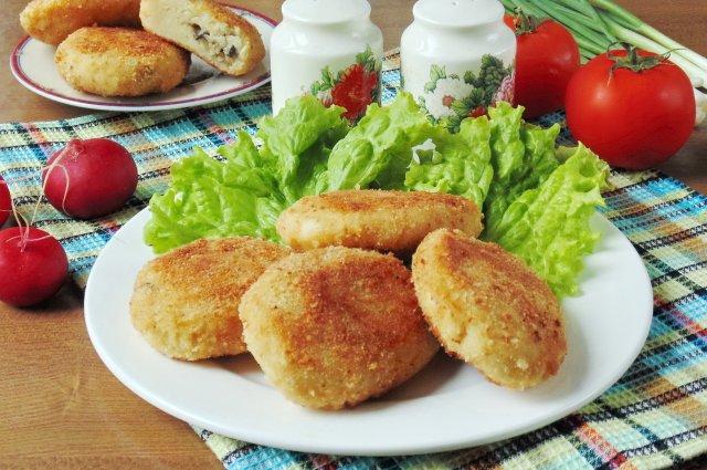 Котлеты из картофеля с капустой и грибами