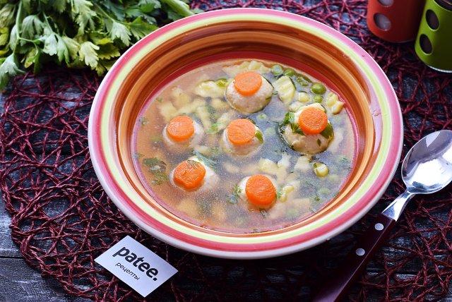 Диетический суп с индюшиными фрикадельками