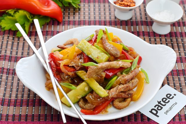 салат со свининой и огурцом рецепт
