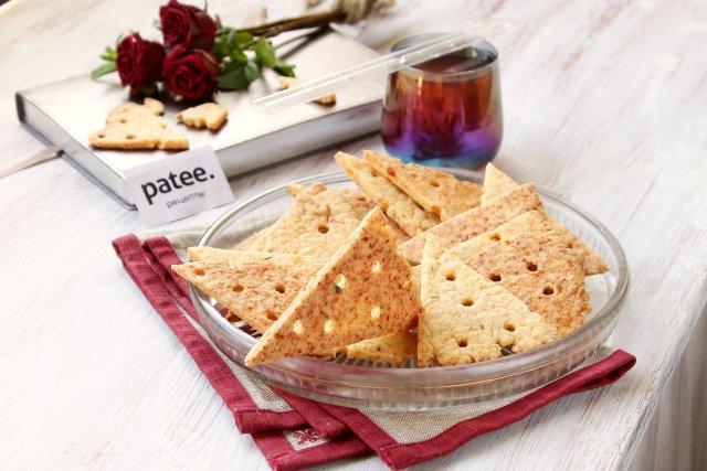 Сырные крекеры с тимьяном