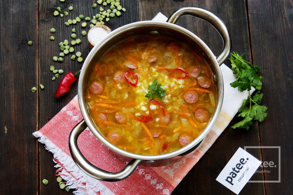 Гороховый суп с копчеными колбасками