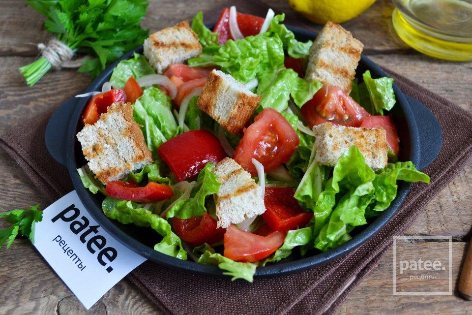 Деревенский салат с сухариками