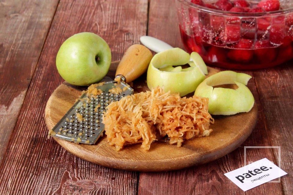Клубничное варенье с яблоком