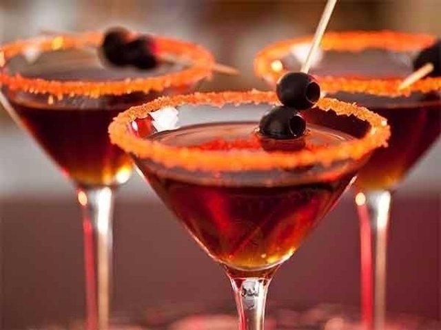 Коктейль с мартини и виноградным соком