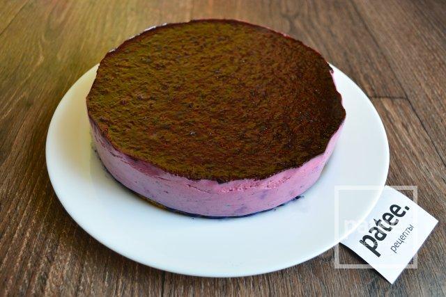 Торт с чернично-йогуртовым муссом