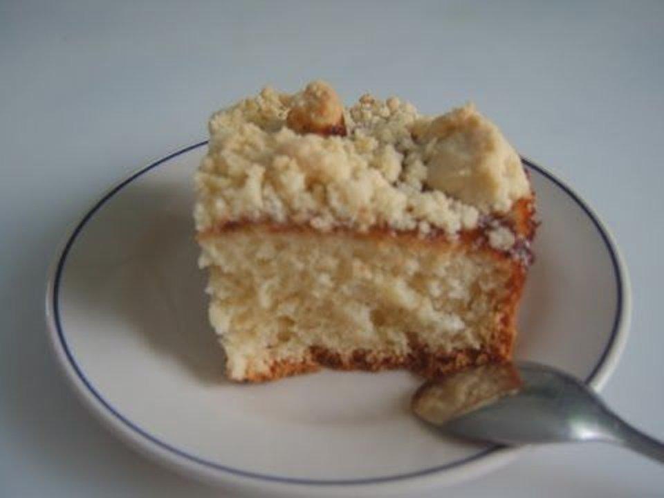 Простой пирог с кокосовым штрейзелем.