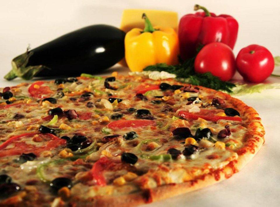 Пицца с грибами на ржаной муке