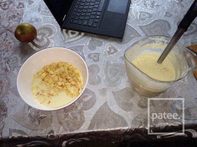 панкейки с бананом и яблоком