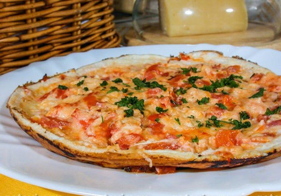 Творожно-сырная запеканка с шампиньонами и помидорами