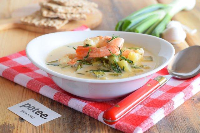 Сырный суп с креветками и кабачками